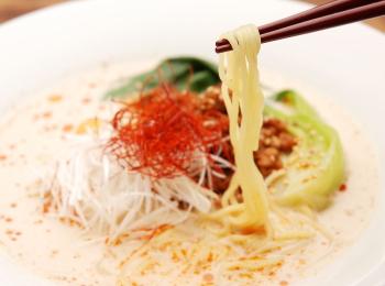 食通流タンタン麺